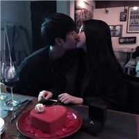 你吻的足够认真 超甜蜜接吻情侣头