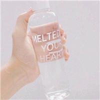 我喜�g水 清新�o物水杯水瓶�^像