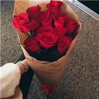 情人节到了 果然还是要送玫瑰呀