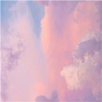 想做一朵天�的云 自由自在�o拘�o